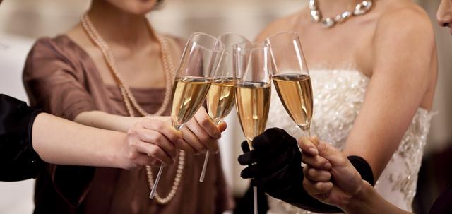 結婚式2次会乾杯の挨拶やスピーチに使える言葉の例文や手紙・メールに使える文例