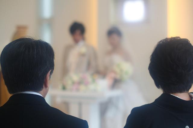 結婚式で新郎父の挨拶やスピーチに使える言葉の例文や手紙・メールに使える文例