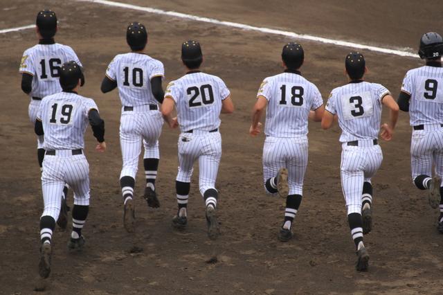 高校野球卒業の挨拶やスピーチに使える言葉の例文や手紙・メールに使える文例