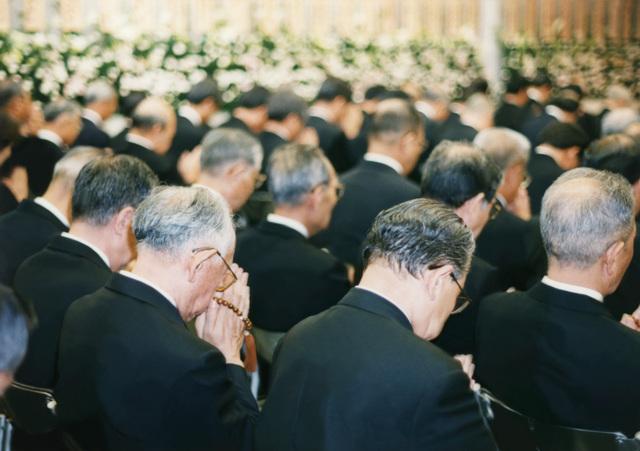 慰霊祭の挨拶やスピーチに使える言葉の例文や手紙・メールに使える文例