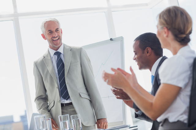 社長退任の挨拶やスピーチに使える言葉の例文や手紙・メールに使える文例