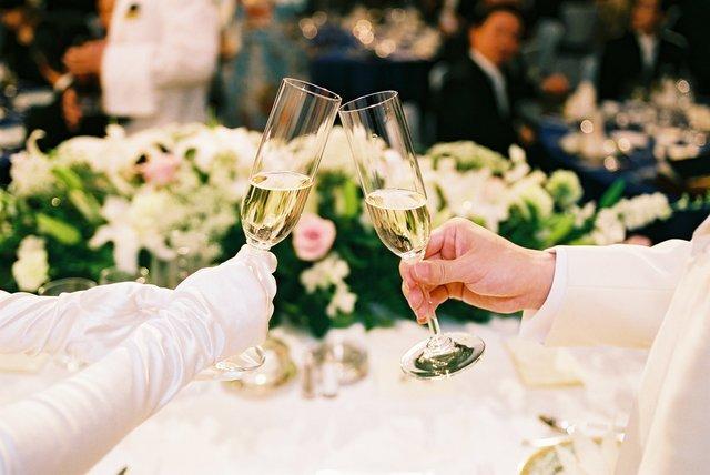 結婚式乾杯親族の挨拶やスピーチに使える言葉の例文や手紙・メールに使える文例