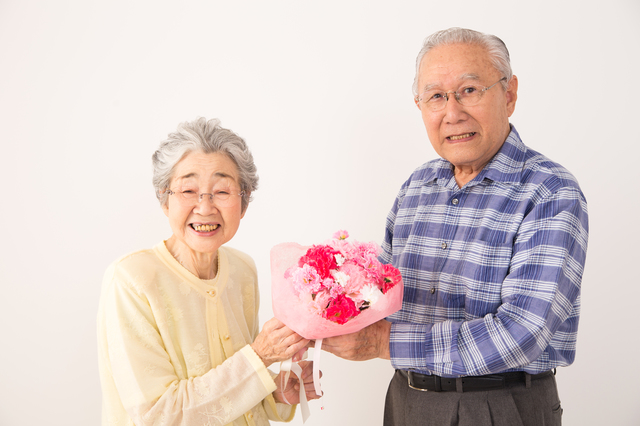 敬老日祝辞の挨拶やスピーチに使える言葉の例文や手紙・メールに使える文例