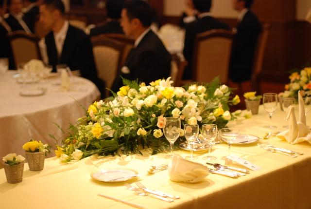 結婚式親族代表謝辞の挨拶やスピーチに使える言葉の例文や手紙・メールに使える文例