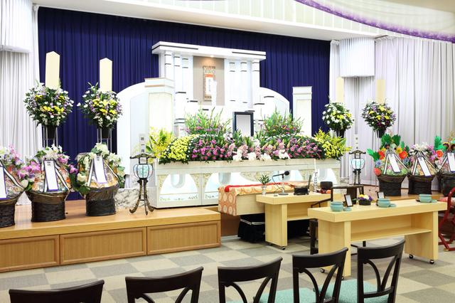 葬儀進行の挨拶やスピーチに使える言葉の例文や手紙・メールに使える文例